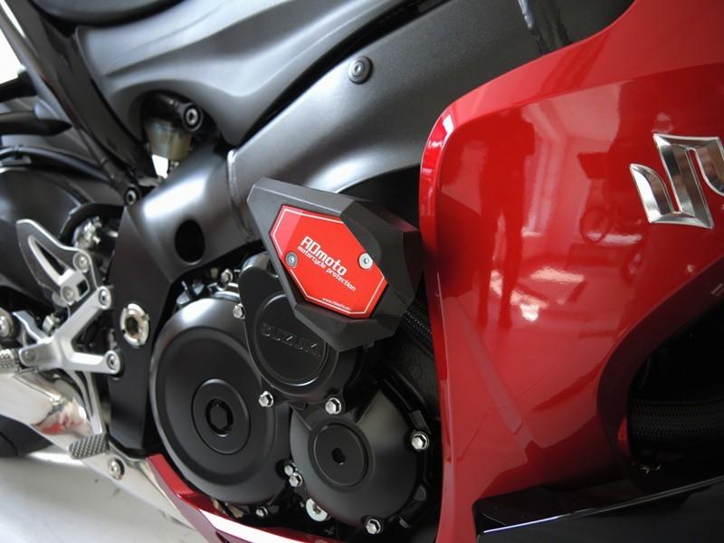 RDmoto アールディーモト ガード・スライダー クラッシュスライダー【Crash sliders】 Colour:black aluminium anodized Colour:white polyamid GSX-S 1000 F
