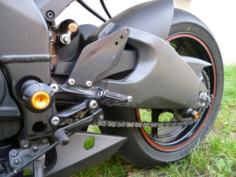 RDmoto アールディーモト ガード・スライダー アヘッドツイスタープロテクター【Ahead twister protectors】 Colour:black aluminium anodized ZX-10R 08-10