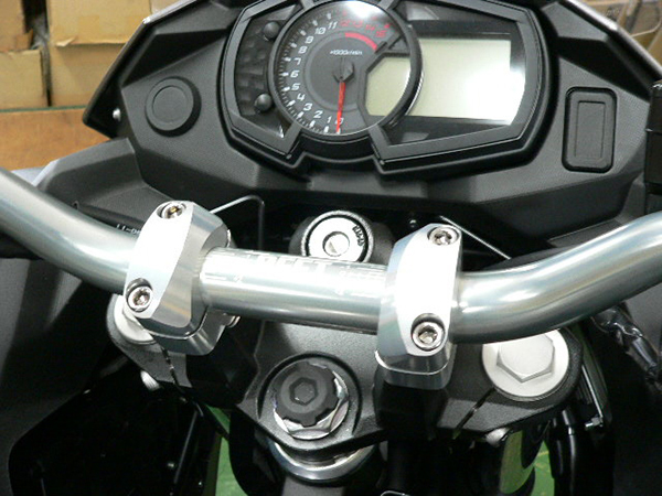 BEET ビート ハンドルバー テーパーローハンドル VERSYS-X 250