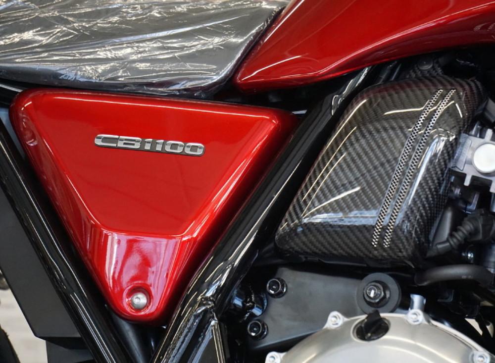 Force-Design フォルスデザイン 各純正色サイドカバー マットベータシルバーメタリック 立体エンブレム:あり CB1100RS