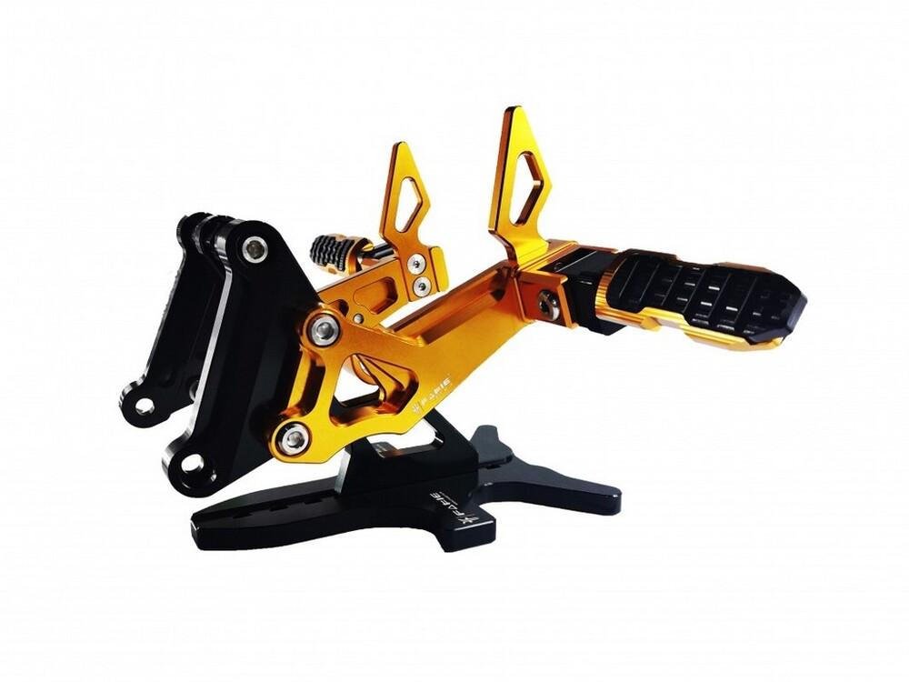 Fakie ファーキー Rear footpegs [リアフットペグ] Z250 Z300 ニンジャ250 ABS ニンジャ300