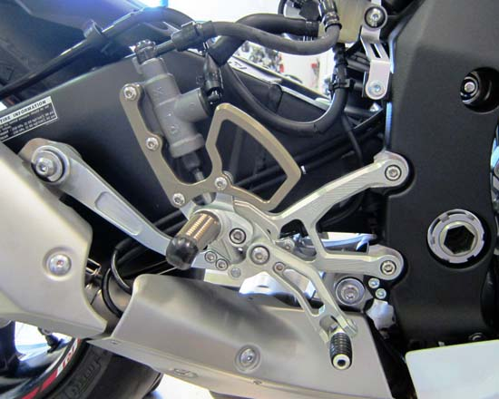 Robby Moto Engineering ロビーモトエンジニアリング バックステップ EVO [エボ] モデル YZF-R1M YZF-R1