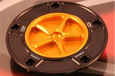 EVOTECH エボテック タンクキャップ KAWASAKI タイプB 外部カラー:チタニウム 中央部カラー:シルバー