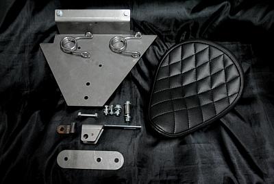 部品屋K&W シート本体 ソロシートキット スプリングタイプ (ステッチ) カラー:黒 ドラッグスター1100