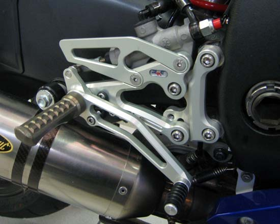 Robby Moto Engineering ロビーモトエンジニアリング バックステップ EVO [エボ] モデル YZF-R6(06-14)