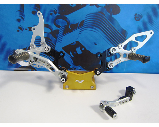 Robby Moto Engineering ロビーモトエンジニアリング バックステップ EVO [エボ] モデル カラー:ブラック CBR1000RR(08-13) ABS装着車を除く