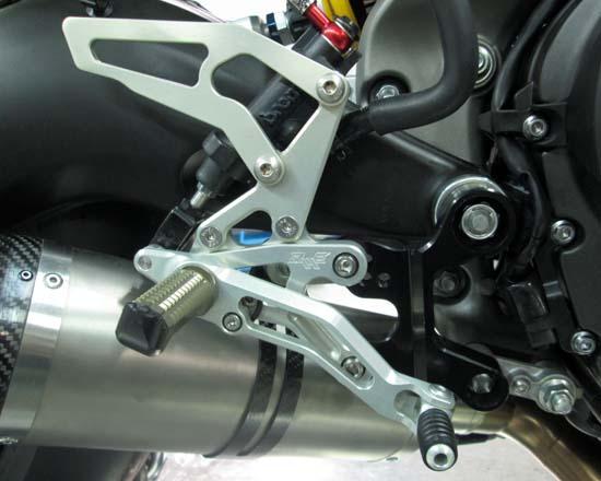 Robby Moto Engineering ロビーモトエンジニアリング バックステップ EVO-S [エボ-S] モデル カラー:シルバー CBR1000RR(08-13) ABS装着車を除く