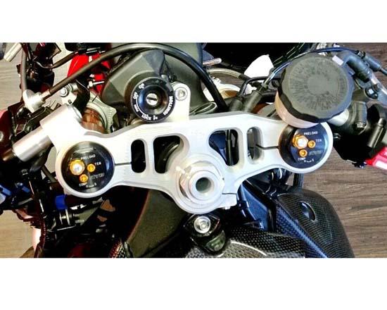 【送料無料(一部地域を除く)】 Robby 特注仕様 Engineering Moto Robby Engineering ロビーモトエンジニアリング トリプルクランプ 特注仕様 YZF-R1M YZF-R1, コバヤシシ:af8fb31b --- medsdots.com