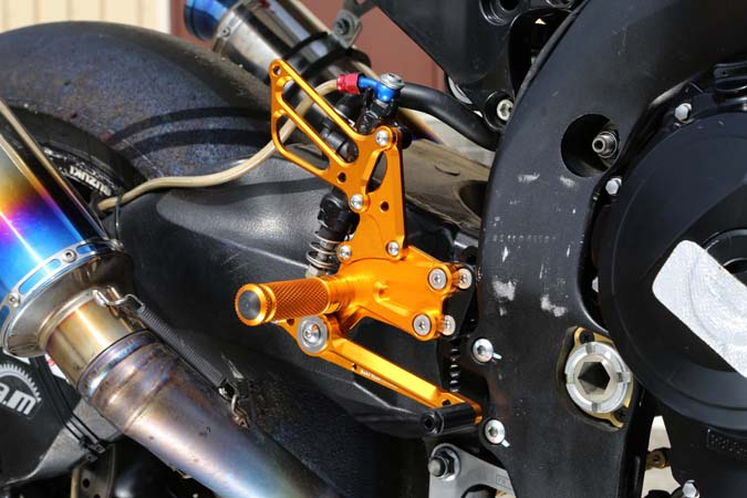 BABYFACE ベビーフェイス バックステップ レースステップキット カラー:ゴールド GSX-R1000 09-15 GSX-R600/750 11-16