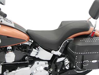 MUSTANG マスタング TRIPPER(TM) ワンピースデイ シート (One-Piece DayTripper Seat) Softail 00-06