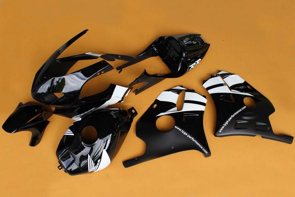 TYGA PERFORMANCE タイガパフォーマンス フルカウル・セット外装 フルカウルキット タンクカバー付き MC22 T8 カラー:ブラック/ホワイト CBR250RR (MC22)
