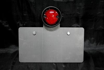【ポイント5倍開催中!!】【クーポンが使える!】 部品屋K&W ナンバープレート関連 サイドナンバーキット (ドリルドテール付) 横マウント カラー:ブラック(LED) タイプ:ストレート