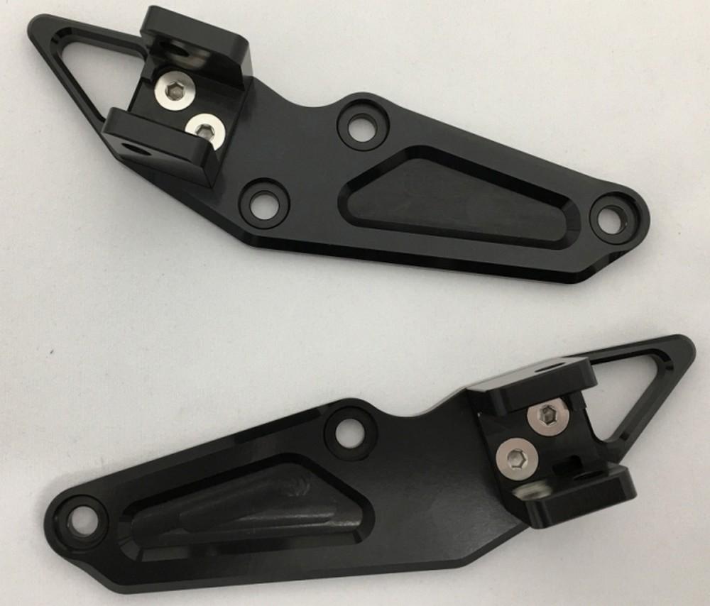 K-FACTORY Kファクトリー ケイファクトリー その他マフラーパーツ ライディングステップ用 タンデムプレート カラー:スーパーブラック CB1100