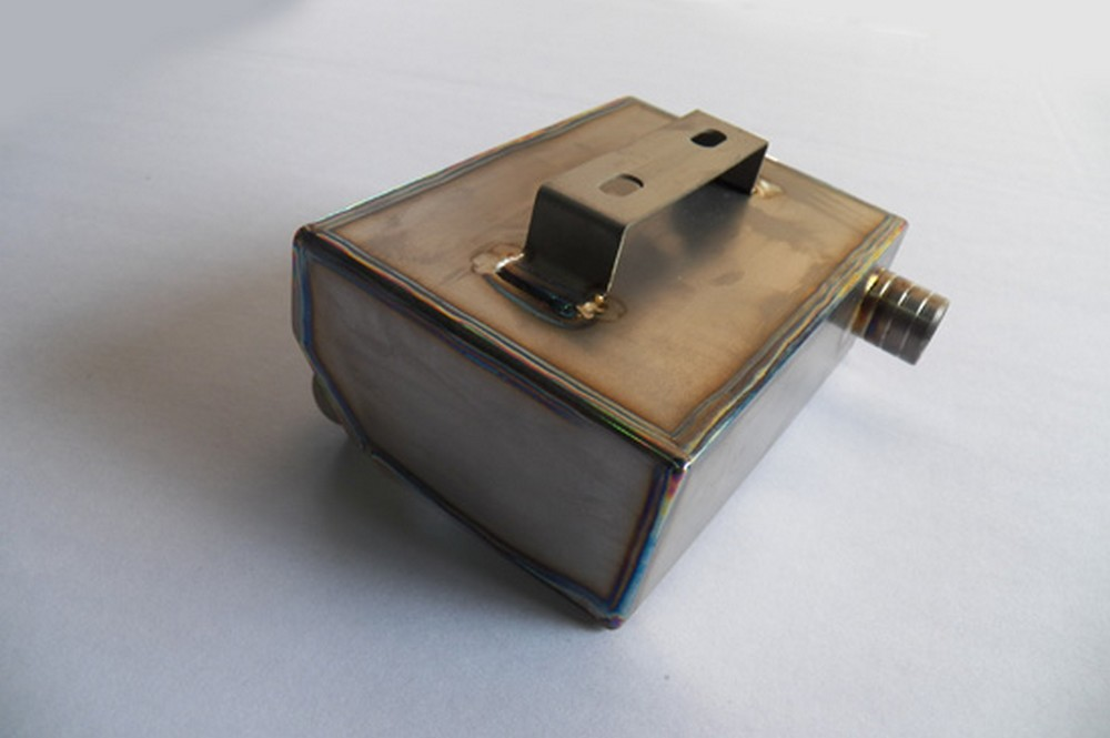 GIGA BIKE FACTORY ギガバイクファクトリー その他ブレーキパーツ クランクケース ブリーザーオイルキャッチ チタン 2ポート SR400 SR500