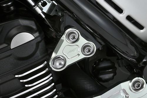 AGRAS アグラス その他エンジンパーツ エンジンハンガー フロント用 カラー:シルバー Z900RS