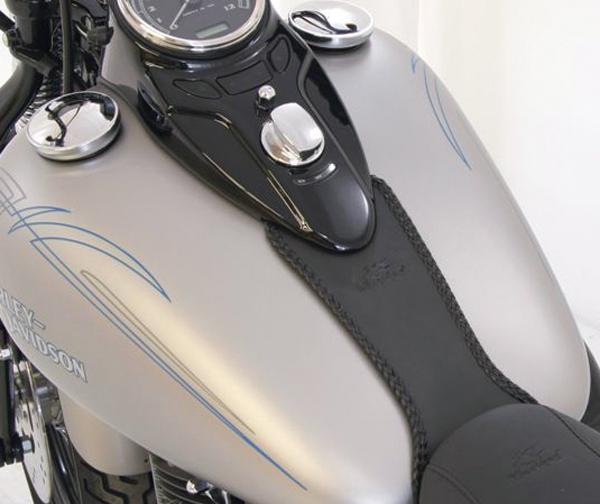 MUSTANG マスタング タンクカバー プレーンタンクビブ (Plain Tank Bib) Softail 200mm Wide Tire 06-16 Softail Standard Rear Tire 00-15