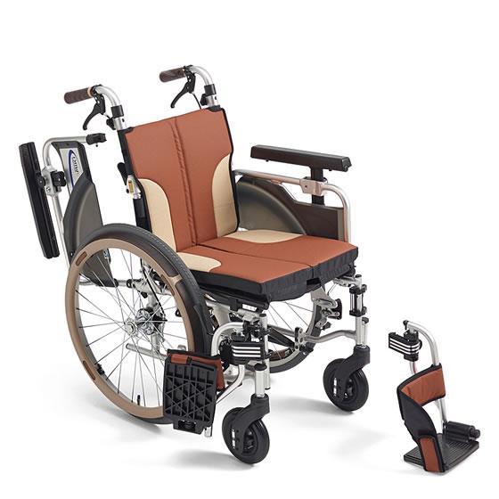 送料無料 車椅子 スリム コンパクト モジュール MIKI ミキ スキットシリーズ SKT-1000 自走用 車イス 車いす 足こぎ クッション シート幅調整 小回り 自宅 折り畳み たためるクッション 座面高調整 多機能