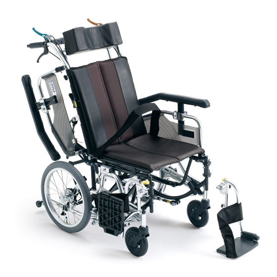 送料無料 車椅子 コンパクト 足踏み連動ブレーキ ティルト リクライニング 多機能 MIKI ミキ TRシリーズ TRC-1 介助用 車イス 車いす くるまいす スイングアウト 跳ね上げ 高さ調整 背折れ
