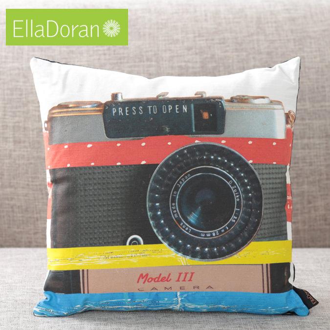Ella Doran 英国製 クッション エラドラン UK デザイナー Made in UK Camera 40cm×40cm カメラプレイ カメラ イギリス 雑貨 プレゼント ギフト 新生活 新居 引越し祝い 子供