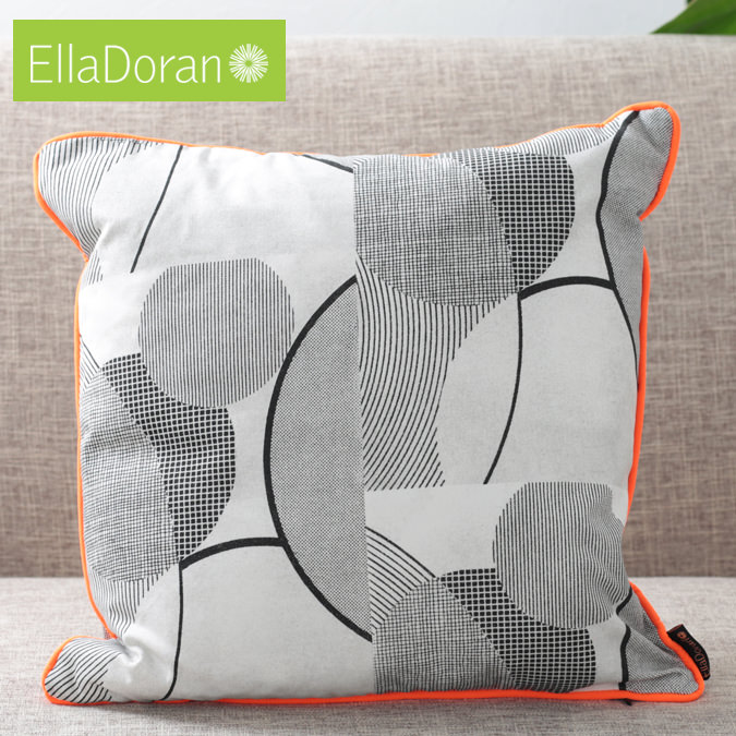 Ella Doran 英国製 クッション エラドラン UK デザイナー Made in UK Pop Art Circles 45cm×45cm ポップアートサークル サークル イギリス 雑貨 プレゼント ギフト 新生活 新居 引越し祝い 子供