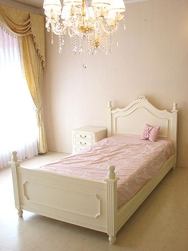 輸入家具■プリンセス家具■ベッド■レディメイ■セミダブル■リボン