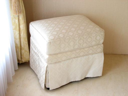 輸入家具 プリンセス家具 オットマン スカート付き ホワイトダイヤ柄