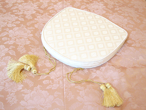 輸入家具■プリンセス家具■ラ・シェル■チェアクッション■ダイヤ柄ホワイト
