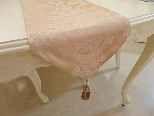 プリンセス雑貨 テーブルランナー リボンとブーケ柄イエローゴールド タッセルゴールド 200×29