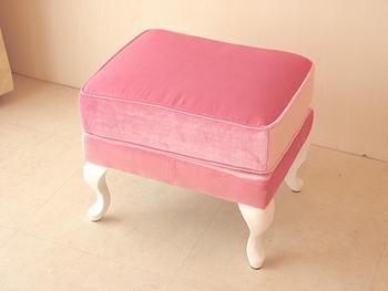 輸入家具 オーダー家具 プリンセス家具 オットマン ホワイトの猫脚 ベビーピンクの張り地