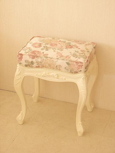 輸入家具 オーダー家具 プリンセス家具 ビバリーヒルズ スツール オードリーリボンの彫刻 ホワイト色 薔薇柄