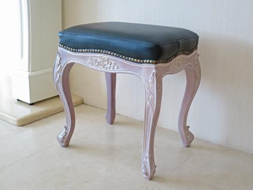 輸入家具 アウトレット ビバリーヒルズスツール 薔薇の彫刻 ピンクベージュ色 本革張り 猫脚 ロココ調