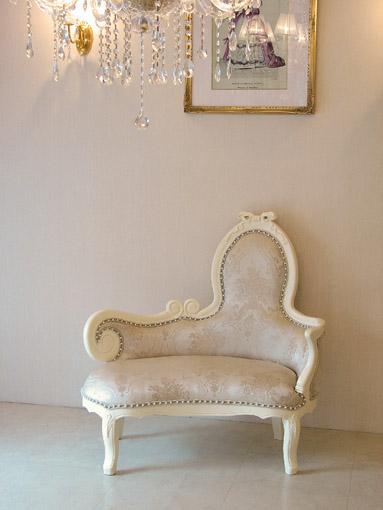 輸入家具■オーダー家具■プリンセス家具■リボンの女優ソファ■オードリー■ホワイト■花かご柄ゴールドの張り地