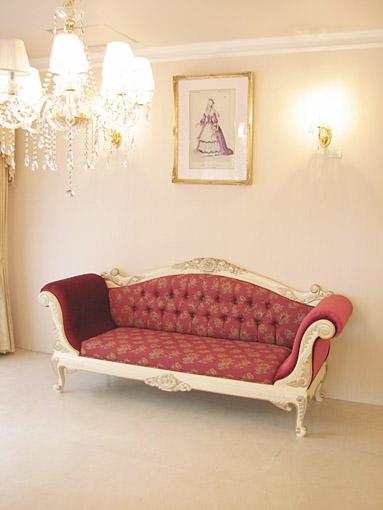 輸入家具 オーダー家具 プリンセス家具 カウチソファ 両肘タイプ 薔薇の彫刻 アンティークホワイト&ゴールド色