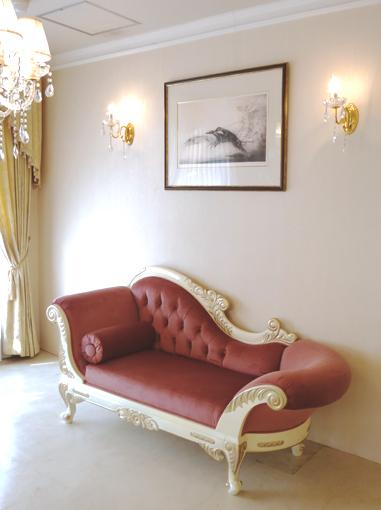 輸入家具 オーダー家具 プリンセス家具 カウチソファ 両肘タイプ W170 アンティークホワイト&ゴールド色 マダム・ポリニャックの張地