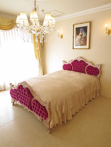 輸入家具■オーダー家具■プリンセス家具■女優ベッド■オードリー■セミダブルサイズ■ピンクベージュ色