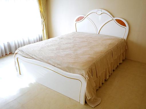 輸入家具 オーダー家具 プリンセス家具 アフロディーテ ダブルベッド オードリーリボンの彫刻 ゴールドライン仕上げ