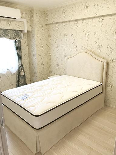 輸入家具 オーダー家具 プリンセス家具 ファブリックベッド セミダブルサイズ リボンとブーケ柄オフホワイト