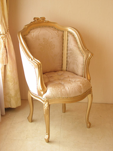 輸入家具 オーダー家具 プリンセス家具 ジューシーチェア オードリーリボンの彫刻 ゴールド色 内側:ピンク花かご柄 外側:ベビーピンクベルベッド