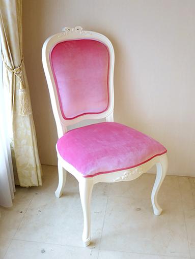 輸入家具 オーダー家具 プリンセス家具 ラ・シェル ダイニングチェア オードリーリボンの彫刻 ホワイト色 ベビーピンクベルベットの張地