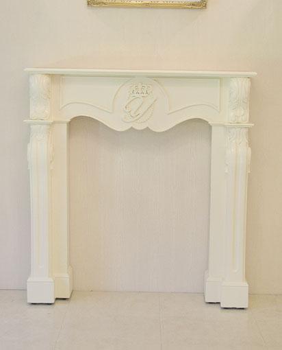 輸入家具 オーダー家具 プリンセス家具 マントルピース シェル クラウンとイニシャルの彫刻 ホワイト色