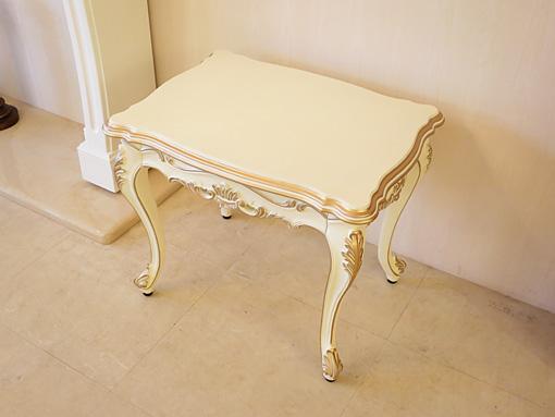 プリンセス家具■オーダー家具■ビバリーヒルズ■サイドテーブル■高さ:50cm■アンティークホワイト&ゴールド色