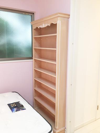 オーダー家具 造り付け家具 ブックシェルフ シェルの彫刻 ピンクベージュ色 パターン2