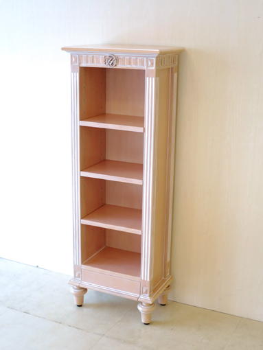 輸入家具 オーダー家具 プリンセス家具 ブックシェルフ W40×H110 マダム・ココスタイル イニシャルの彫刻 ピンクベージュ色
