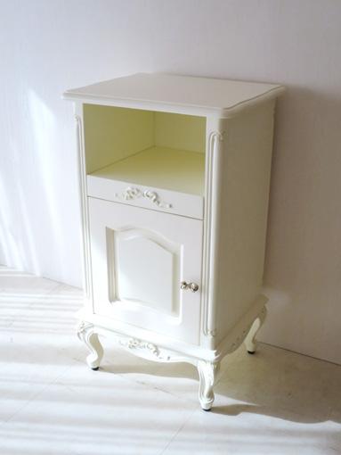 輸入家具 オーダー家具 ビバリーヒルズ サイドチェスト 電話機収納スライド棚 オードリーリボンの彫刻 ホワイト色 リボンの取っ手付き