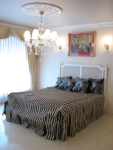 輸入家具■プリンセス家具■マダム・ココ■クィーンサイズベッド