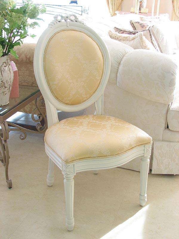 輸入家具■プリンセス家具■チェア■レディメイ■白いリボンの彫刻■憧れ!■シャンパンゴールド