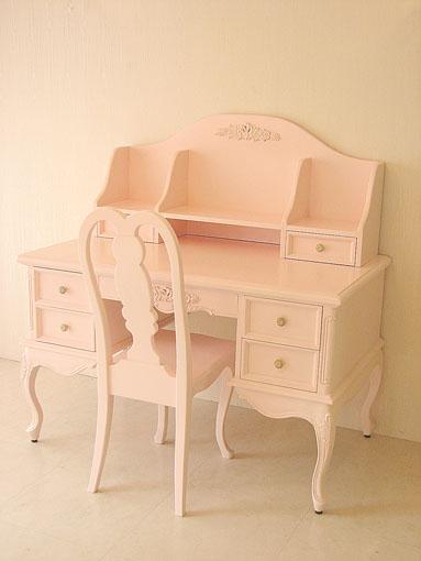輸入家具■オーダー家具■プリンセス家具■学習机■猫脚■バレエシューズの彫刻