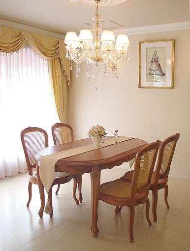 輸入家具■プリンセス家具■オーダー家具■ラ・シェル■ダイニングテーブル160■マイエル色(蜂蜜色)