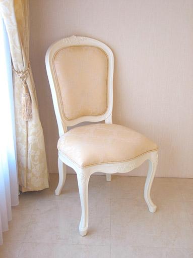 輸入家具■オーダー家具■プリンセス家具■ダイニングチェア■薔薇の彫刻■ホワイト色■シャンパンゴールド