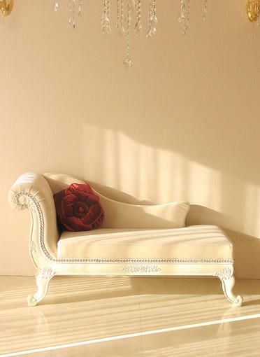 輸入家具■オーダー家具■プリンセス家具■バラの令嬢ソファ■ホワイトの猫脚■ホワイトベルベット